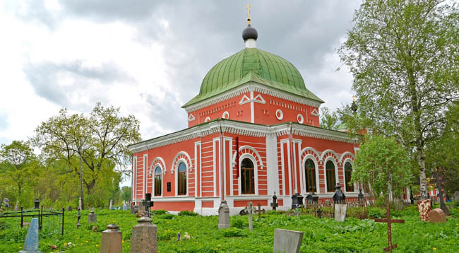 Рыбинск. Храм Георгия Победоносца. Church in honor of the great martyr Georges the Victorious. Rybinsk, Yaroslavl region. Фото vodolej - Depositphotos