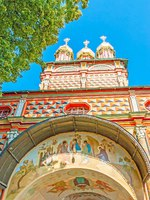 The walls of the Gate Church of St John the Baptist of St Sergius Trinity Lavra are decorated with frescoes and icons, Sergiyev Posad. Фото efesenko - Depositphotos