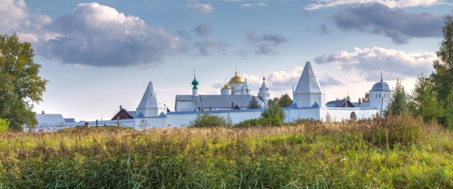 Золотое кольцо России. Суздаль. Intercession (Pokrovsky) Monastery in Suzdal.The Golden Ring of Russia. Фото Laures - Depositphotos