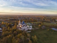 Золотое кольцо России. Суздаль. Suzdal Kremlin. Cathedral of the Nativity of the Virgin (XIII-XIX.) Shooting from the drone, aerial photography. Фото Lenorlux-Dep