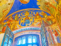 Суздаль. The beautiful frescoes with icons over the door of Nativity Cathedral in Kremlin in Suzdal. Фото efesenko - Depositphotos