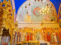 Суздаль. The icons on walls of Nativity Cathedral in Kremlin, it boasts masterpiece paintings and rich decors in Suzdal. Фото efesenko - Depositphotos