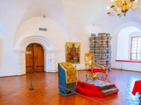 Суздаль. Museum in Kremlin includes historic Archbishop's Chambers, those are open for the visitors, such as the Cross Chamber in Suzdal. Фото efesenko-Deposit