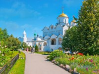Intercession Monastery with a view on the main cathedral and the Refectory with Conseption church on background in Suzdal. Фото efesenko - Depositphotos