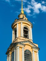 Суздаль. Ризоположенский монастырь. Bell tower of the Rizopolozhensky monastery in Suzdal, the Golden Ring of Russia. Фото Leonid_Andronov - Depositphotos