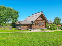 Суздаль. The museum of Wooden Architecture is the perfect place to enjoy preserved medieval log buildings and discover the peasants' life, Suzdal, Russia. Фото efesenko-Deposit