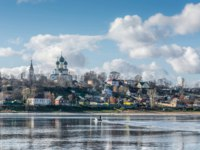 Золотое кольцо России. Тутаев. The view from the Volga river to the town of Tutaev, Yaroslavl region. Floating on the river boat. Фото svn48 - Depositphotos