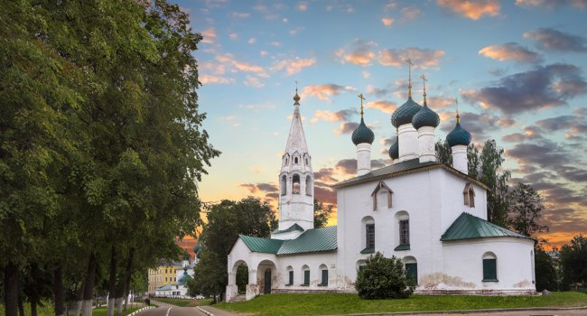 Россия. Ярославль. Церковь Николы Рубленого. Church of St. Nicholas chopped - orthodox church in Yaroslavl. Russia. Фото Belikart - Depositphotos
