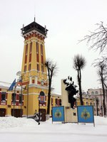Золотое кольцо России. Ярославль. Fire tower, the main entrance to the building. Yaroslavl, Russia. Фото BalaguR - Depositphotos