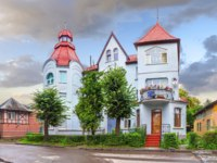 Россия. Архитектура Калининграда. The famous old house with turrets on Moskovsky street. Kaliningrad region. Фото Belikart - Depositphotos