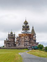 Клуб путешествий Павла Аксенова. Россия. Карелия. Остров Кижи. Historical site dating from the 17th century on Kizhi island, Russia. Фото borisb17-Deposit