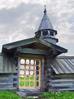Клуб путешествий Павла Аксенова. Россия. Карелия. Остров Кижи. Entrance on a monasterial cemetery. Фото ppl1958 - Depositphotos