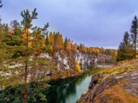 Россия. Карелия. Горный парк Рускеала. Abandoned marble canyon in the mountain park of Ruskeala, Karelia. Awesome autumn landscape. Фото ELarionova-Deposit