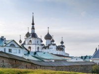 Россия. Соловецкие острова. Solovetsky Monastery is a fortified monastery located on the Solovetsky Islands in the White Sea, Russia. Фото borisb17-Depositphotos