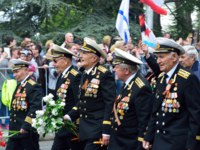Россия. Крым. Город-герой Севастополь. Veterans of the Black sea fleet at the Victory parade in Sevastopol on 9 may. Фото irinabal18 - Depositphotos