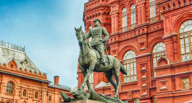 Россия. Москва. Памятник маршалу Жукову. Marshal Zhukov statue outside the State Historical Museum, Moscow, Russia. Фото marcorubino - Deposit