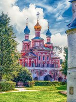 Россия. Москва. Новодевичий монастырь. Orthodox church inside Novodevichy convent, iconic landmark in Moscow, Russia. Фото marcorubino-Depositphotos