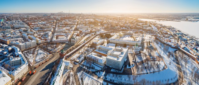 Россия. Панорама Нижегородского кремля. Aerial panoramic view of Nizhny Novgorod, Russia, on winter sunny day. Фото mike_laptev - Depositphotos