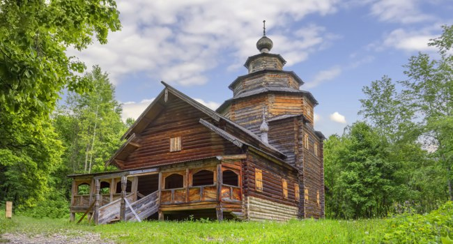 Нижний Новгород. Музей-заповедник Щёлоковский хутор. Church in the Museum of Wooden Architecture Shchelokovsky Khutor. Nizhny Novgorod. Фото Belikart-Deposit