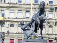 Клуб Павла Аксенова. Россия. Санкт-Петербург. Аничков мост. Кони Клодта. Klod's horses on Anichkov bridge, Saint Petersburg, Russia. Фото Natabn-Deposit