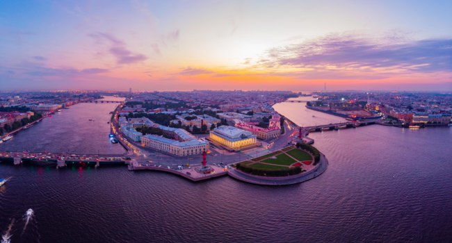 Beautiful aerial evning view in the white nights of St. Petersburg, Russia, The Vasilievskiy Island at sunset. Фото aleksis15@yandex.ru - Depositphotos