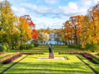 Санкт-Петербург. Царское село (Пушкин). Екатерининский парк. Catherine park in Tsarskoe Selo in fall, Pushkin, St. Petersburg. Фото mistervlad-Depositphotos