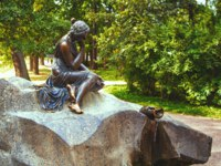 Санкт-Петербург. Царское село (Пушкин). Екатерининский парк. Fountain Girl with a jug in the Catherine Park of Tsarskoye Selo in SPb. Фото lira_joggi-Deposit