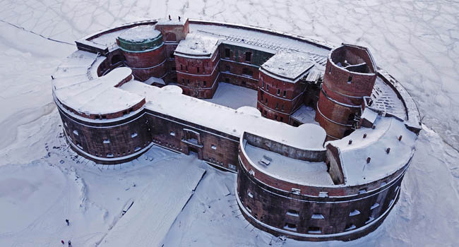 Россия. Санкт-Петербург. Кронштадт. Форт Александр I. The Fort Emperor Alexander 1st in winter - aerial view. Russia, Baltic sea, Kronstadt. Фото jk-spb - Deposit