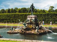 Россия. Санкт-Петербург. Петергоф. Фонтан Нептун в Вернем саду. The fountain of Neptune in the top park Peterhof. Russia. Фото tishka13_85 - Depositphotos