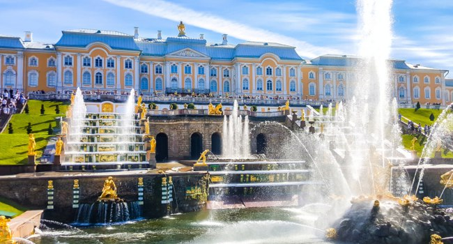 Санкт-Петербург. Петергоф. Большой каскад. View of the Peterhof Palace, the Grand Cascade and the Samson Fountain in Peterhof, Russia. Фото Sforzza - Deposit