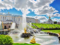 Россия. Санкт-Петербург. Петергоф. Фонтан Самсон. Samson Fountain in Peterhof Palace, Saint Petersburg. Russia. Фото Ivantagan - Depositphotos