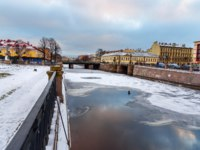 Россия. Санкт-Петербург. Крюков канал. Staro-Nikolsky Bridge across the Kryukov Canal in winter at Saint Petersburg, Russia. Фото ElenaOdareeva - Depositphotos