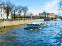 Россия. Санкт-Петербург. Крюков канал. The pleasure boats are the famous tourist attraction in city, Krukov Canal. St. Petersburg. Russia. Фото efesenko - Depositph