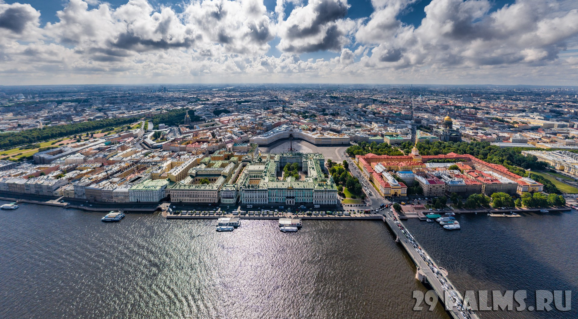 Россия. Панорама центра Санкт-Петербурга. Aerial panorama of Saint Petersburg, the Hermitage museum, Winter Palace, Palace Square. Фото VladimirDrozdin - Deposit