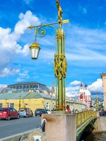 Россия. Санкт-Петербург. Пантелеймоновский мост. The old scenic streetlight on Panteleimonovsky bridge. Фото efesenko-Depositphotos