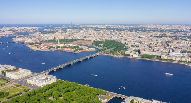 Россия. Панорама Санкт-Петербурга. Panoramic aerial view of the city center of St. Petersburg in clear sunny weather, Russia. Фото MaykovNikita - Depositphotos