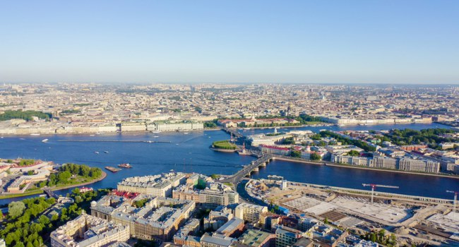 Россия. Панорама Санкт-Петербурга. Panoramic aerial view. Spit of Vasilyevsky Island, Birzhevoy Bridge. Фото MaykovNikita - Depositphotos