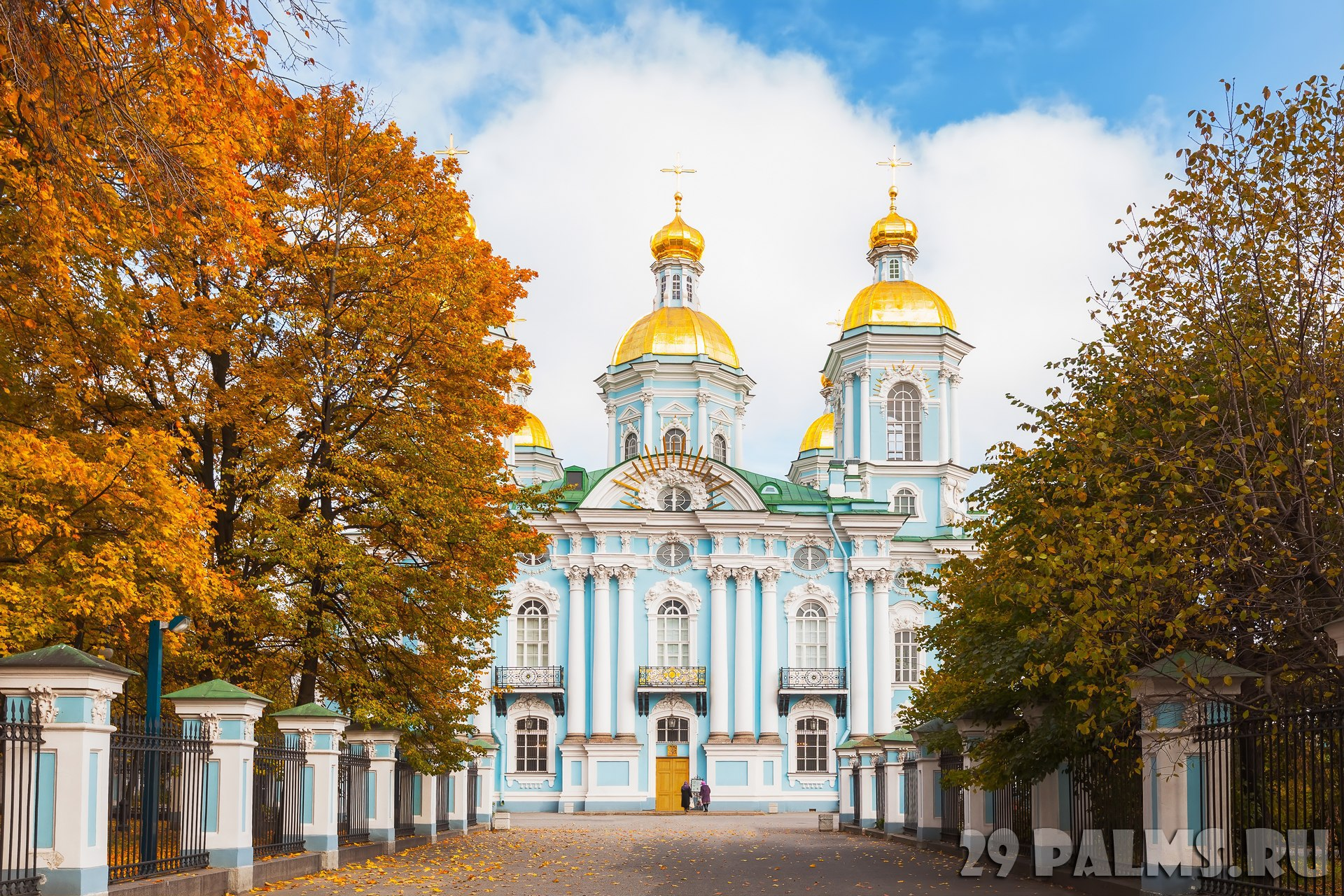 Россия. Санкт-Петербург. Никольский морской собор. The St. Nicholas Naval Cathedral. St. Petersburg, Russia. Фото paanna - Depositphotos