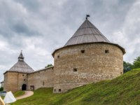 Россия. Ленинградская область. Старая Ладога. Staraya Ladoga fortress was built in the XII-th century, Russia. Фото borisb17 - Depositphotos