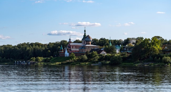 Старая Ладога. Никольский монастырь. View of the Staroladozhsky Nikolsky Monastery in Old Ladoga Volhov river. Leningrad region. Фото smoke-lmt.mail.ru-Deposit
