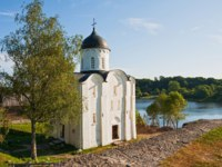 Россия. Старая Ладога. Георгиевская церковь. St. George's Church in the Staraya Ladoga. Фото YuliaB - Depositphotos
