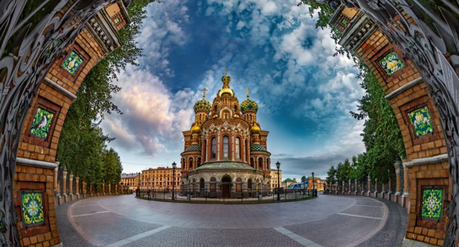 Россия. Санкт-Петербург. Храм Спаса на Крови. Church of the Savior on Spilled Blood, Saint Petersburg, Russia. Фото GrinPhoto - Depositphotos