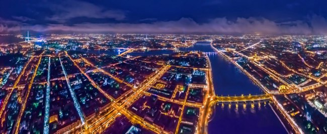 Санкт-Петербург. Университетская набережная. Night panorama of the observation deck and the University embankment. St. Petersburg. Фото GrinPhoto - Deposit