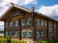Ленинградская область. Верхние Мандроги. Mandrogi, Russia, Karelia Region, an old wooden house of the village on the Svir river. Фото giuseppemasci-Deposit