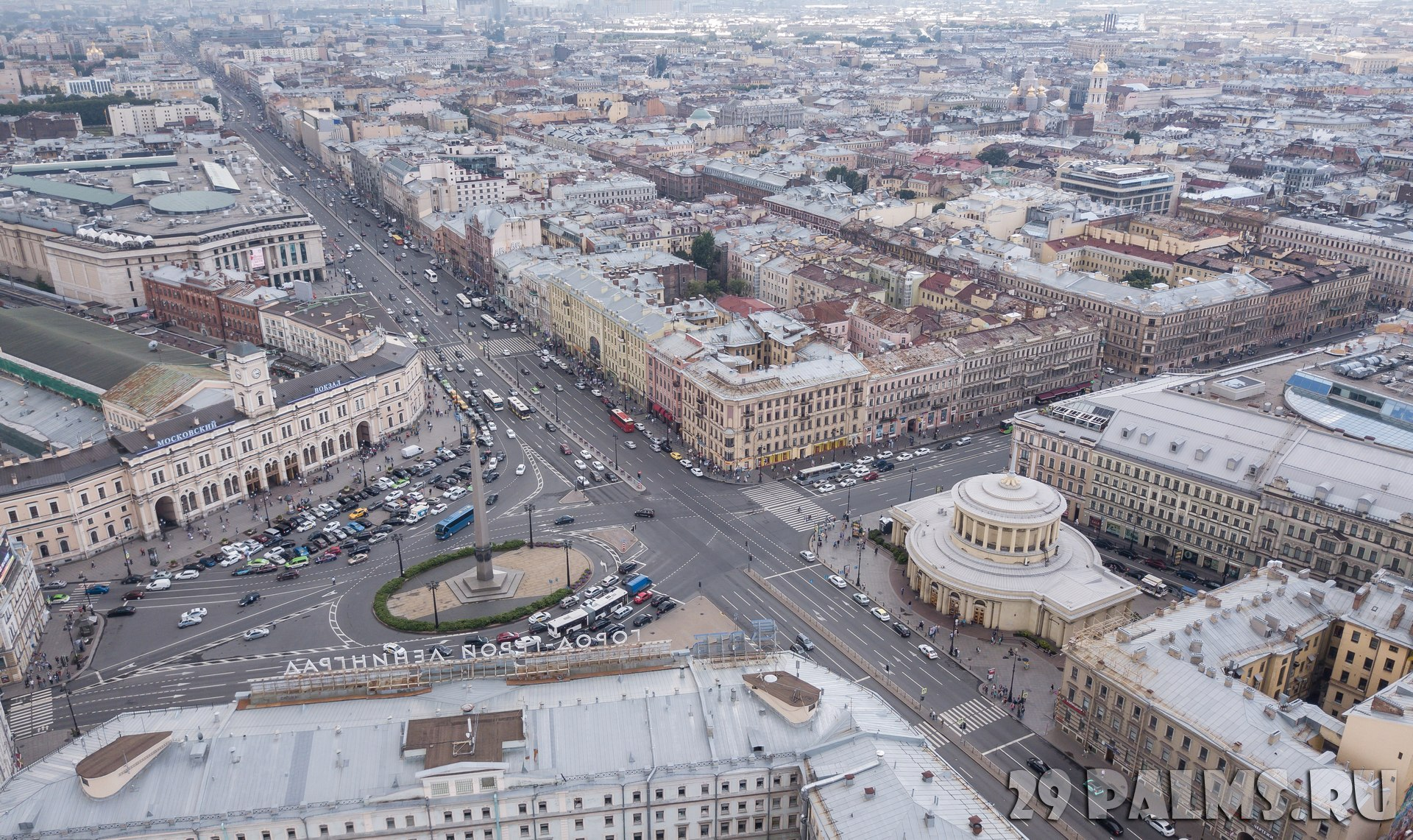 Россия. Санкт-Петербург. Площадь Восстания. Aerial view of Vosstaniya Square in St.Petersburg, Russia. Фото a_medvedkov - Depositphotos