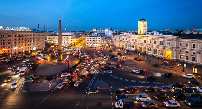 Россия. Санкт-Петербург. Площадь Восстания. Aerial view of Vosstaniya Square in St.Petersburg, Russia. Фото Denis_Vostrikov - Depositphotos