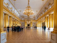 The interior of armorial Hall in the State Hermitage a museum of art and culture in Saint Petersburg, Russia. Фото teddybearpicnic - Depositphotos
