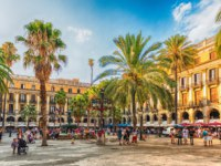 Испания. Каталония. Барселона. View of the scenic Placa Reial in Barcelona, Catalonia, Spain. Фото marcorubino - Depositphotos