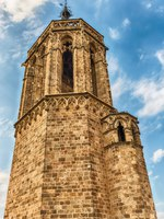 Испания. Каталония. Барселона. Tower on the top of the Barcelona Cathedral, Catalonia, Spain. Фото marcorubino - Depositphotos