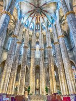 Испания. Каталония. Барселона. Interior of Santa Maria del Mar in Barcelona, Catalonia, Spain. Фото marcorubino - Depositphotos